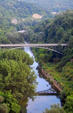 Yantra River, Veliko Tarnovo, Bulgaria | by Martin März