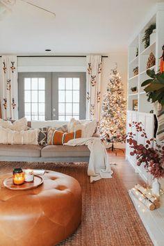 Bohemian farmhouse christmas - rhiannon lawson home boho decor, gypsy home My Living Room, Living Room Decor, Bedroom Decor, Small Living, Bohemian Living, Bohemian Decor, Modern Bohemian, Farmhouse Design, Farmhouse Decor