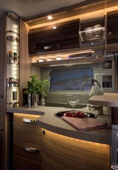 Küche und kochen im Reisemobil KNAUS SUN TI
