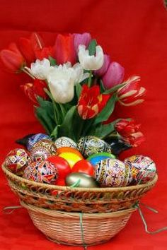 Easter eggs with flowers Free Photo
