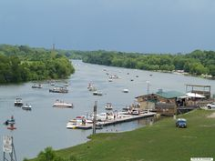 Pleasure boating on the Kaskaskia River at the Evansville Dock. Photo courtesy of Christopher Martin. Randolph County, IL. http://www.evansvilleil.org