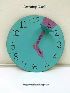 Learning Clock For Kids – Happiness is Crafting! Learning Clock For Kids – Happiness is Crafting!,Schule Education: Learning Clock For Kids – Happiness is Crafting! Related posts:Sensory Wall in a self-contained classroomMontessori Inspired Toddler. Preschool Learning, Kindergarten Math, Fun Learning, Preschool Activities, Recycling Activities For Kids, English Activities, Learning Numbers, Teaching Time, Teaching Math