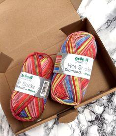 """Mein """"Zwischendurchprojekt"""" ist fertig. Dieses Mal habe ich das Silkycloudtuch nicht aus Mohair sondern aus Sockenwolle gestrickt...."""