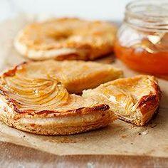 Tarta z jabłkami na cieście francuskim | Kwestia Smaku