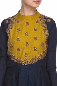 Style Heave: Neck Design For Women Charmed Dress Up Kurta Designs Women, Kurti Neck Designs, Dress Neck Designs, Blouse Designs, Salwar Designs, Indian Attire, Indian Wear, Indian Outfits, Kurti Patterns