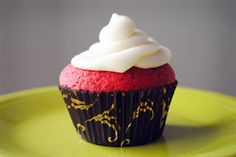 Red Velvet Cupcakes (using DC cupcakes secret ingredient)