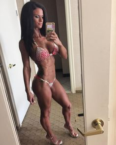 """Repost via Instagram: Ahhh competing I could go on & on about the highs & lows of contest prep...actually I will prepare yourself for a long post lol  When I first started competing 4 years ago I """"bro dieted"""" had crazy low cals to get stage lean & the more shows I did the lower the calories went & the more cardio I had to do. After a show I still would eat """"clean"""" but would binge on the foods I was craving & would start doing more cardio to make up for it. Back then I didn't know better…"""