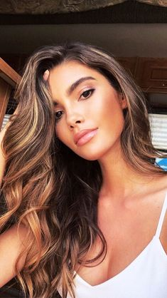 Maquillage naturel éclatant - Maquillage naturel éclatant You are in the right place about diy face mask Here we offer you the m - Summer Hairstyles, Pretty Hairstyles, Glam Hairstyles, Hair Inspo, Hair Inspiration, Balayage Hair, Hair Dos, Gorgeous Hair, Pretty Face