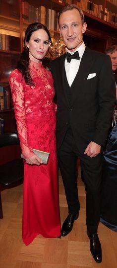 10,3 % Susanna Rissasen punaisessa puvussa oli läpikuultava yläosa.