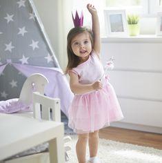 Bei den tollen Prinzessinnen Kleidern und wundervollen Disney-Charakteren ist es klar, warum viele kleine Mädchen sich eine Prinzessinnen Geburtstagsfeier wünschen. Welche Kleine möchte nicht so mutig sein wie Eiskönigin Elsa, schön wie Schneewittchen oder bezaubernd wie Yasmin? Inspiration findest du auf blog.balloonas.com