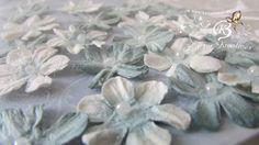 20+Blüten+aus+Maulbeerpapier+ca.2cm,+hellblau+von+Zeit+für+Kreatives+auf+DaWanda.com