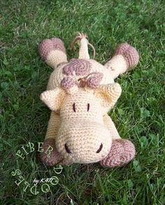 Pillow Pal Giraffe - Free crochet pattern. Can't believe this is a free pattern!