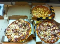 Yellow Cab Pizza for the kids :) My Favorite Food, Favorite Recipes, My Favorite Things, Pizza Company, Food Trip, Good Pizza, Hawaiian Pizza, Quiche, Cheers