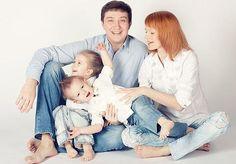 Семейная фотосессия: подбор одежды, family look. Автор фотографии: Ия Волкова
