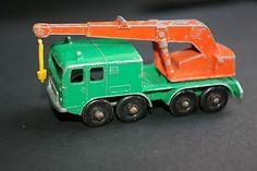 Lesney Matchbox 8 Wheel Crane No 30 - http://www.matchbox-lesney.com/45851