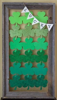Saint Patricks Day Decorating Idea from hatterandhareevents.blogspot.com Featured @ www.partyz.co your party planning search engine! diy ideas, holiday, wall displays, saint patricks day, decorating ideas, front doors, a frame, st patricks day, ombr design