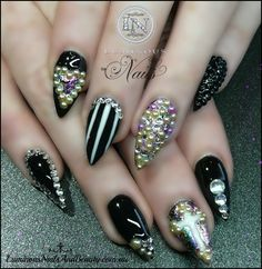 bling stiletto nails | Black Pointy Nails with Bling Bling..