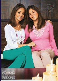 Isabel Preysler with her eldest daughter Chabeli Iglesias Sweet Lady, Spanish Style, Older Women, Casual Chic, Dressing, Daughter, Fashion Outfits, How To Wear, Clothes