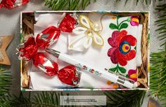 Gift Wrapping, Christmas, Gifts, Gift Wrapping Paper, Xmas, Presents, Wrapping Gifts, Navidad, Noel