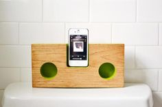 This Acoustic iPhone Speaker Dock Is A DIY Project~must do!!!!