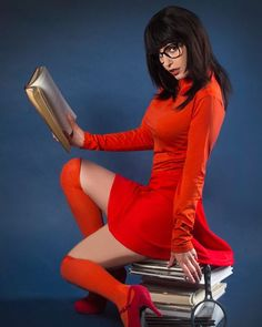 Vanquish Magazine @vanquishmagazine - Heroes & Villains of Cosplay 2 is now live!! :) Featuring the Gorgeous Happily Ever Jenna @happilyeverjenna <3 as Velma & More! Stunning photography by John Haas Photo @jhaasphoto FREE DOWNLOAD: www.vanquishmagazine.com/havocissue2alt PRINTED MAGAZINE: https://www.peecho.com/print/en/222035 #vanquish #vanquishmagazine #cosplay #cosplayer #cosplaygirl #cosgirl #velma #scoobydoo #instagood #picoftheday #sexy #photography #print #model #feature #boudoir…