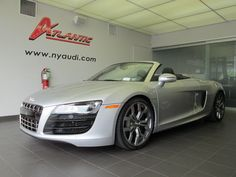 HOLY MOLY!! 2011 Audi R8