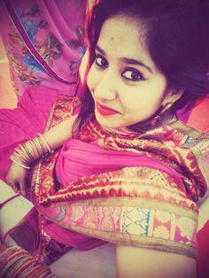 saree & bangles