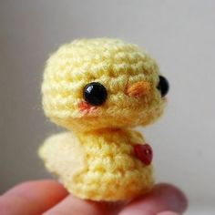 Baby Yellow Chick Kawaii Mini Amigurumi by twistyfishies on Etsy Pequeño pollito Kawaii Crochet, Cute Crochet, Crochet Crafts, Yarn Crafts, Crochet Projects, Knit Crochet, Crochet Animal Patterns, Stuffed Animal Patterns, Crochet Patterns Amigurumi