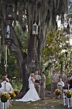 Outdoor Rustic Wedding In Florida www.rusticweddingchic.com