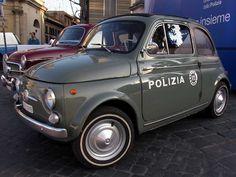 Una Fiat 500 D della Squadra Mobile .. che forza...