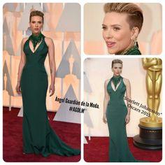 """Oscars 2015.  """"Scarlett Johansson"""", Con un vestido verde esmeralda de """"Versace"""" Que realza su figura y sorprende con un renovado corte de cabello ¿Que les parece?  #AGDLM #fashion #moda #scarlettJohansson #versace #redcarpet #alfombraroja #Oscars2015 #oscarawards2015 oscares2015 #style #photooftheday #dress #glam #stylecarpet #outfit"""