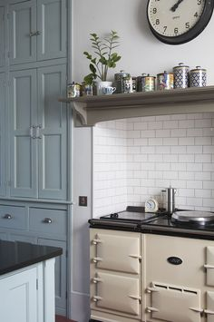 Beautiful kitchen. I am not kidding when I say that I have been dreaming of an AGA stove since I was 12.