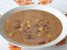 Stará dobrá klasická polievočka. Cheeseburger Chowder, Food And Drink, Cooking Recipes, Baking, Soups, Kitchen, Peeling Potatoes, Chef Recipes, Food And Drinks