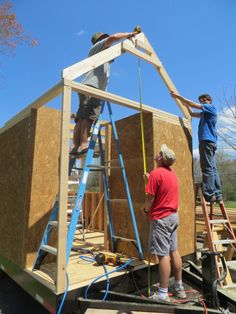 How to build a tiny house on wheels. The Brevard Tiny House Company is working on their second project called Robins Nest. | Tiny Homes
