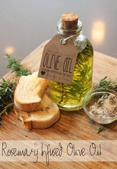 DIY rosemary olive oil with printable labels - would make a lovely handmade gift