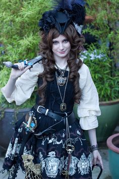 pirate-lolita128940287670252.jpeg (690×1034)