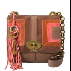 6c97694a8e Another adorable crossbody fossil purse. My bag requirements  must have a  crossbody strap must zip