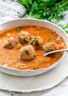 This Romanian Meatball Soup (Ciorba de Perisoare) is my mom's recipe for the most delicious meatball Chilli Recipes, Crockpot Recipes, Soup Recipes, Healthy Recipes, Healthy Food, Cooking Recipes, Bosnian Recipes, Turkish Recipes, Ethnic Recipes