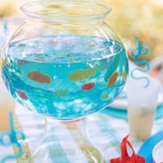 Blue jello + gummy fish = fish bowl jello- what a fun block party idea :) Blue Jello, Vodka Blue, Fish Bowl Jello, Jello Cups, Gummy Fish, Jelly Fish, Jelly Beans, Martha Stewart Recipes, Festa Party