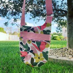 SandrineP sur Instagram: Encore un petit air d'été avec ce petit sac @patrons_sacotin que j avais vu passer sur IG avec ce fabuleux tissu @craftinemercerie d'une…