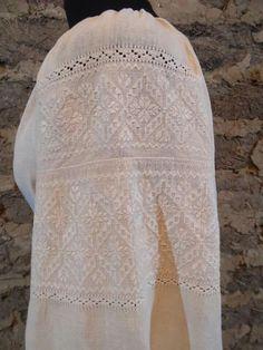 Folk Embroidery, Pakistani Dresses, Knitting Projects, Traditional Outfits, Needlework, Lace Skirt, Crochet, Shirts, Ethnic