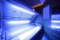 Le Sénat a voté le Mercredi 16 Septembre 2015 l'interdiction des cabines de bronzage à UV, en raison de leur dangerosité pour la santé...