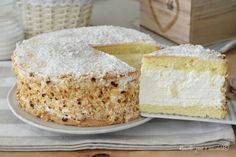 TORTA al LATTE PARADISO Torte Cake, Cake & Co, Bakery Recipes, Cooking Recipes, Biscotti Cookies, Milk Cake, Angel Cake, Celebration Cakes, Cooking Time