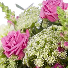 Moments flower delivery gift service UK #summer #flowers #bouquet #summerflowers #roses #pinkroses #flowerdelivery #serenataflowers
