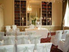 winter wedding ceremony decor