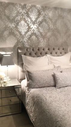 wallpaper bedroom A Beautiful Damask Wallpaper by I Love Wallpaper. Its unique and stunning design embraces elegance and luxury. Take a look inside this Master Bedroom to see how theyve styled it. Simple Bedroom Design, Master Bedroom Design, Home Decor Bedroom, Modern Bedroom, Trendy Bedroom, Ikea Bedroom, Master Suite, Contemporary Bedroom, Bedroom Black