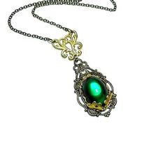 Emerald Necklace  Art Nouveau Necklace  Vintage by LisamariesPiece