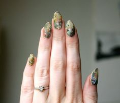 Pin for Later: 31 Days of Jaw-Dropping Nail Art Magic Day 14: Flowers Source: Lady Crappo