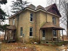 Urban Exploration: Abandoned Dog Food Squatter Farmhouse