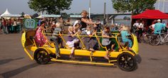 Funny pictures about Dutch kids pedalling their own bus to school. Oh, and cool pics about Dutch kids pedalling their own bus to school. Also, Dutch kids pedalling their own bus to school photos. Tricycle, Bici Retro, Power School, Velo Design, Muscle, Kids Ride On, Kids Bike, Cafe Racer, Public Transport